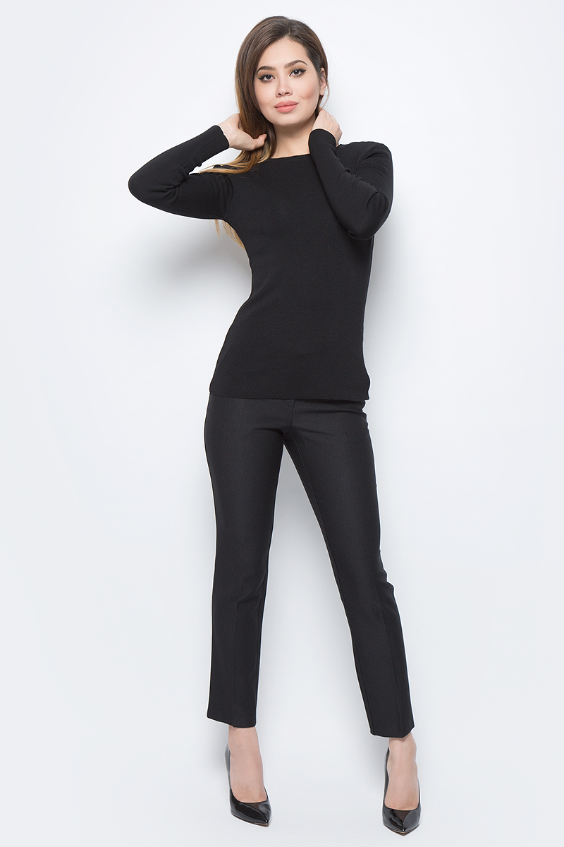 Брюки женские adL, цвет: черный. 15330581002_001. Размер M (44/46)15330581002_001Стильные женские брюки adL - это изделие высочайшего качества, которое превосходно сидит и подчеркнет все достоинства вашей фигуры. Брюки стандартной посадки выполнены из полиэстера с добавлением вискозы и эластана, что обеспечивает комфорт и удобство при носке. Брюки застегиваются на пуговицу в поясе и ширинку на застежке-молнии. Брюки оформлены стрелками и дополнены двумя втачными карманами спереди и одним втачным карманом сзади. Эти модные и в то же время комфортные брюки послужат отличным дополнением к вашему гардеробу и помогут создать неповторимый современный образ.