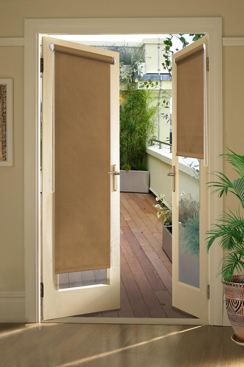Штора рулонная для балконной двери Эскар Миниролло. Однотонные, цвет: темно-бежевый, ширина 52 см, высота 215 см31209052215Рулонная штора Эскар Миниролло выполнена из высокопрочной ткани,которая сохраняет свой размер даже при намокании. Ткань не выцветает иобладает отличной цветоустойчивостью.Миниролло - это подвид рулонных штор, который закрывает не весь оконныйпроем, а непосредственно само стекло. Такие шторы крепятся на раму безсверления при помощи зажимов или клейкой двухсторонней ленты (в комплекте).Окно остаетсяна гарантии, благодаря монтажу без сверления.Такая штора станет прекрасным элементом декора окна и гармонично впишется винтерьер любого помещения.