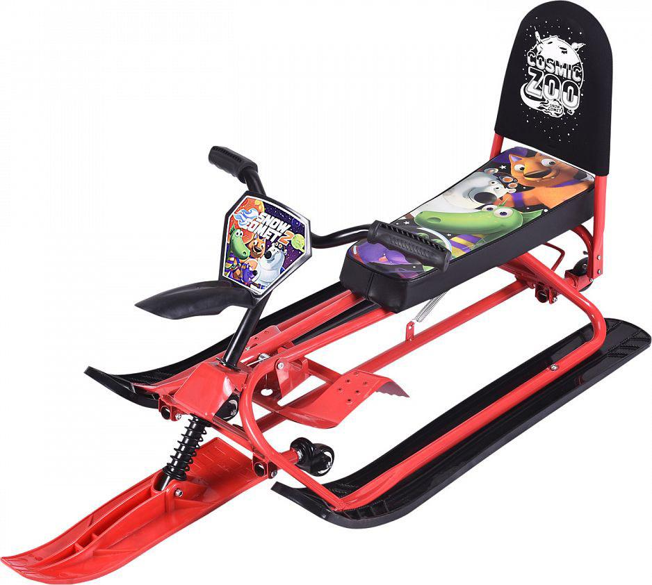 Снегокат-трансформер Small Rider Snow Comet 2, с колесами и спинкой, цвет: красный1373658Представляем обновленную версию уникального и популярного снегоката-трансформера, эксклюзивно разработанного компанией Мегарион - Small Rider Snow Comet - второе поколение снегоката (Смолл Райдер Снежная Комета). В данной усовершенствованной модели доступно две модификации: стандарт и делюкс. В обеих версиях Сноу Комет 2 новшествами являются вело-руль, который позволит теперь не нагибаться, а сидеть прямее, в более естественной позе. Также таким рулем более интересно и проще управлять. Потрясающим нововведением стали поворотные на 360 градусов передние колеса. Благодаря им поворачивать на снегокате стало проще. Ещё добавлены декоративный брызговик и красивая табличка Космический зоопарк спереди. Снегокат может переключаться с лыж на колеса и потом обратно на лыжи. Для переключений не требуется инструмента! Переключение в режим колеса осуществляется с помощью нажатия вниз на педаль, расположенную сзади снегоката, а для возврата снегоката в режим лыжи нужно нажать на два паза и потянуть педаль вверх. Все просто - переключение занимает всего несколько секунд и не требует инструмента! Теперь участки без снега для Вас не проблема! Уже не нужно спускать ребенка со снегоката и нести снегокат в одной руке, а другой рукой вести ребенка. Со снегокатом Сноу-комет у Вас нет ограничений. Быстро переключайтесь в режим колеса и продолжайте путь. Когда достигнете горки или снежной поверхности - снова переключайтесь в режим лыжи. После владения данным снегокатом Вы поймете насколько это удобно, и что другие снегокаты значительно уступают в удобстве. Снегокат Сноу Комет имеет длинное, мягкое и широкое сиденье с интересным рисунком Космический зоопарк. На нем могут поместиться двое детей, однако с точки зрения предосторожности, мы рекомендуем кататься одному ребенку, особенно с высоких горок. Завершает портрет сиденья большая и удобная спинка, которая поддержит спину малыша и сделает поездку более