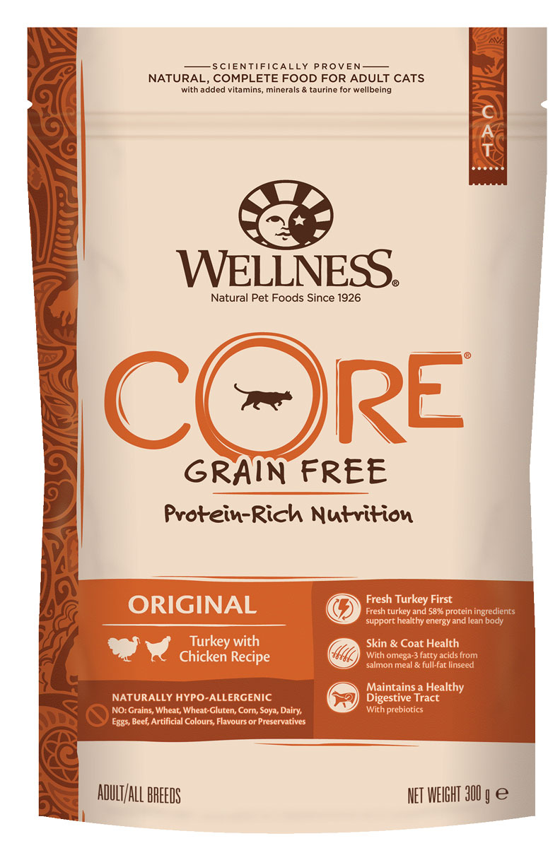 Корм сухой Wellness CORE Original для взрослых кошек, беззерновой, индейка с курицей, 300 гW10723Беззерновой сухой корм для кошек Wellness CORE богат белком и витаминами. Корм создан в полном соответствии с потребностями домашних любимцев, которые по сути своей были и остаются хищниками. Именно поэтому все корма Wellness CORE являются беззерновыми, а свежее мясо и рыба - ингредиент №1 во всех рецептурах. Входящие в состав пробиотики и пребиотики улучшают процесс пищеварения и укрепляют иммунную систему питомцев. Wellness CORE Original для кошек – это богатый питательными веществами рецепт поддержания оптимального здоровья и хорошего пищеварения благодаря входящему в состав высококачественному животному белку и пробиотикам. А целебные свойства брусники способны предупредить развитие воспалений мочеполовой системы ипочек. Входящий в состав Витамин Е – мощный антиоксидант, который снижает риск возникновения болезней сердца, замедляет процесс старение и увеличивает продолжительность жизни питомца.СОСТАВ: индейка 26% (свежее мясо 16%, мясная мука 10%), курица 21% (мясная мука 16%, сушеная курица 5%), горох, картофельный белок, куриный жир 6%, лосось (рыбная мука) 5%, сушеный картофель, необезжиренное льняное семя 3%, сушеная свекла 2%, клетчатка, жир лосося, сушеный корень цикория 0,5%, клюква, сушеная ламинария, юкка Шидигера. ДОБАВКИ: натуральные антиоксиданты; Enterococcus faecium NCIMB 4b1705, 109 КОЕ — улучшает и восстанавливает микрофлору кишечника кошек. ДОБАВКИ, ПОВЫШАЮЩИЕ ПИТАТЕЛЬНУЮ ЦЕННОСТЬ (НА КГ): витамин A 20 000 МЕ, витамин D3 1 500 МЕ, витамин E 500 мг, таурин 1 100 мг, L-карнитин 100 мг, сульфат цинка моногидрат 75 мг, сульфат железа моногидрат 70 мг, сульфат меди пентагидрат 10 мг, оксид марганца 10 мг, йодат кальция безводный 1 мг, селенит натрия 0,2 мг. ПИЩЕВАЯ ЦЕННОСТЬ: белки 44%, жиры 16%, сырая клетчатка 5,5%, сырая зола 9%, таурин 0,2%, жирные кислоты Омега-6 1,75%, жирные кислоты Омега-3 1,25%Энергетическая ценность: 3 575 ккал/кг