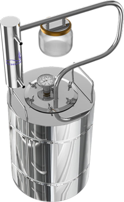 Феникс Шахтер - это самогонный аппарат с разборным сухопарником из стеклянной банки, проточным холодильником с классическим змеевиком внутри, надежным качественным перегонным кубом и встроенным биметаллическим термометром. Разборный сухопарник из стеклянной банки поможет вам отследить наполняемость емкости сухопарника сивушными фракциями (во избежание переполнения), а также ароматизировать продукт в процессе перегонки путем заложения в сухопарник ароматических ингредиентов. Смотреть на работу такого сухопарника одно удовольствие - все видно как на ладони.  Высота в сборе: 57 см. Диаметр перегонной емкости: 28,1 см.