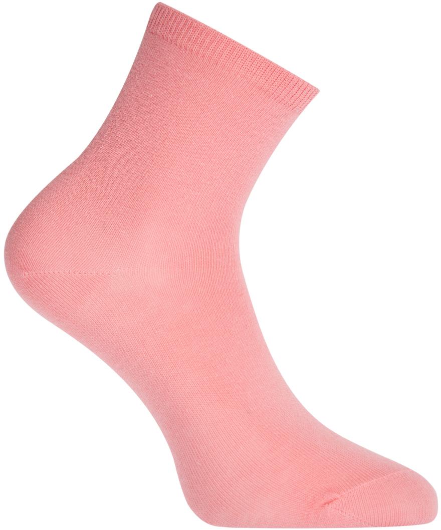 Носки женские oodji, цвет: розовый. 57102466B/47469/4100N. Размер 35/3757102466B/47469/4100NБазовые хлопковые носки от oodji из тонкого приятного на ощупь хлопкового трикотажа. Носки хорошо тянутся благодаря небольшому содержанию эластана. Эти носки комфортны в носке: хорошо облегают ногу, но и не стягивают икры. Хлопковый трикотаж обладает прекрасными характеристиками: позволяет коже дышать, не вызывает раздражения, хорошо впитывает влагу. Носки незаметны под одеждой и практически не ощущаются во время ношения. Подходят для разных погодных условий. Лаконичные базовые носки прекрасно дополнят вещи повседневного гардероба и спортивную одежду. Их можно надевать на занятия спортом, прогулки по городу, в поездки или носить дома, если замерзли ноги. Они прекрасно подходят под джинсы, брюки и хорошо смотрятся с закрытой обувью. Удобные носки – важная деталь в вашем гардеробе.