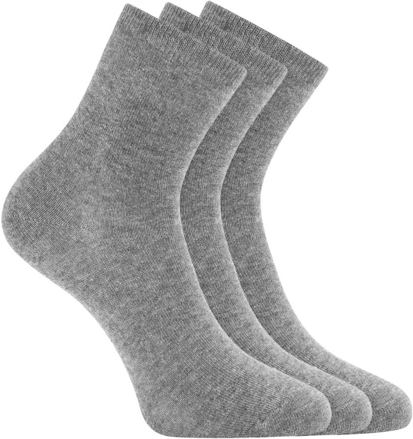 Носки женские oodji, цвет: светло-серый, 3 пары. 57102466T3/47469/2001M. Размер 35/3757102466T3/47469/2001MНабор из трех пар базовых хлопковых носков от oodji. Хлопковый трикотаж с небольшим добавлением эластана приятен на ощупь, обладает прекрасными характеристиками: пропускает воздух, не вызывает раздражения. В таких носках вашим ногам будет комфортно в разную погоду, независимо от того, насколько активно вы двигаетесь. Практичный сет из трех пар хлопковых носков прекрасно подходит для ношения с повседневными вещами и станет неотъемлемым элементом спортивного гардероба. Базовые носки отлично дополнят джинсы, брюки или лосины. Они хорошо сочетаются с закрытой обувью: кедами, кроссовками, ботинками, сапогами. Если вы цените комфорт в одежде, эти носки займут особое место в вашем повседневном гардеробе.