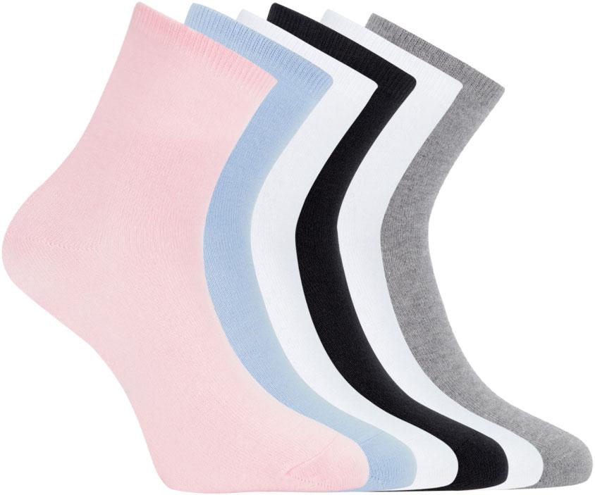 Носки женские oodji, цвет: розовый, голубой, белый, черный, серый, 6 пар. 57102466T6/47469/19VCN. Размер 35/3757102466T6/47469/19VCNСет из шести пар базовых хлопковых носков от oodji. Носки из хлопкового трикотажа с добавлением эластана комфортны в носке и легки в уходе. В этих носках кожа дышит, материал не вызывает раздражений. Гладкая и приятная на ощупь трикотажная ткань немного тянется и не теряет формы после многочисленных стирок. Носки прекрасно сидят на ноге. С таким набором у вас в запасе всегда будут чистые носки. Хлопковые носки прекрасно подходят для спортивного и повседневного гардероба. Они незаменимы на тренировках, во время активного отдыха и путешествий. Базовые носки отлично сочетаются с разной закрытой обувью – кроссовками, ботинками, кедами. Они незаметны под джинсами или брюками, и вместе с тем прекрасно выполняют свою функцию – обеспечивают комфорт и тепло вашим ногам.