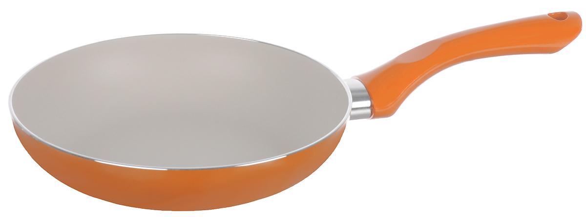 Сковорода Attribute Attribute Fr.Pan. Eterno, цвет: оранжевый. Диаметр 20 смAFE120Сковорода Attribute изготовлена из алюминия с высококачественным керамическим покрытием. Керамика несодержит вредных примесей ПФОК, что способствует здоровому и экологичному приготовлению пищи. Крометого, с таким покрытием пища не пригорает и не прилипает к стенкам, поэтому можно готовить с минимальнымдобавлением масла и жиров.Гладкая, идеально ровная поверхность сковороды легко чистится, ее можно мыть в воде руками или вытиратьполотенцем. Эргономичная ручка специального дизайна выполнена из пластика с покрытием soft-touch, удобна вэксплуатации.Сковорода подходит для использования на всех типах плит, кроме индукционных.Также изделие можно мыть в посудомоечной машине.