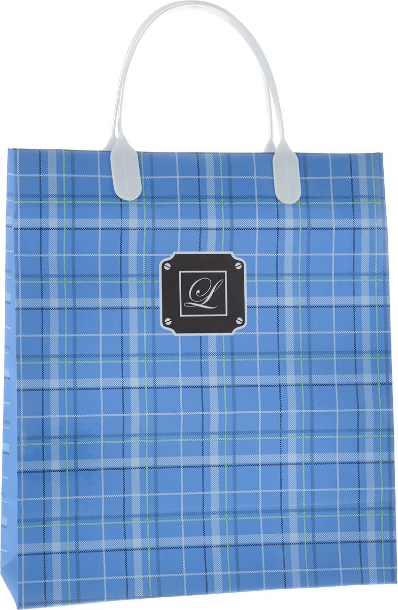 Пакет подарочный Bello, цвет: синий, белый, 23 х 26 x 10 см. BAS1092676938Подарочный пакет Bello, изготовленный из пищевого полипропилена, станет незаменимымдополнением к выбранному подарку. Дно изделия укреплено плотным картоном, которыйпозволяет сохранить форму пакета и исключает возможность деформации дна под тяжестью подарка. Для удобной переноски на пакете имеются две пластиковые ручки. Подарок, преподнесенный в оригинальной упаковке, всегда будет самым эффектным изапоминающимся. Окружите близких людей вниманием и заботой, вручив презент в нарядном,праздничном оформлении. Грузоподъемность: 12 кг. Морозостойкость: до -30°С.