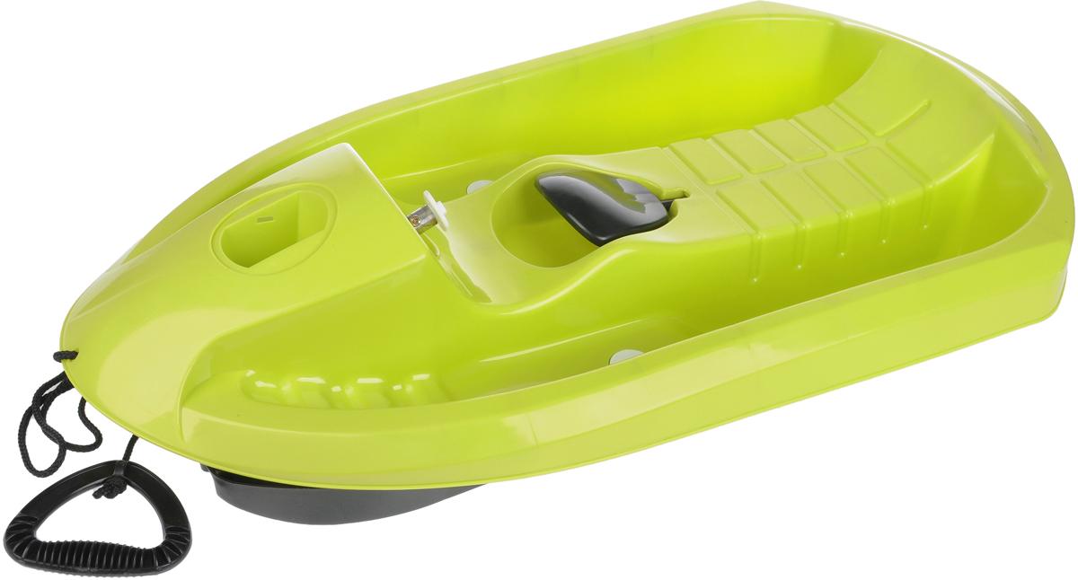 Санки Gimpel, цвет: зеленый2810Управляемые одноместные Санки Gimpel стилизованы под снежный катер. Они выполнены из высококачественного пластика повышенной износостойкости, обладающего ударопрочностью и морозостойкостью. Аэродинамическая форма позволяет развивать большую скорость, при этом, сохраняя устойчивость, поворотный руль и скрытые лыжи обеспечивают прекрасную маневренность. Санки оснащены ручным тормозом и буксировочным тросом. Такие санки станут прекрасным подарком вашему ребенку и позволят насладиться каждой зимней прогулкой. Максимальная нагрузка: 50 кг Для детей от 3 лет.