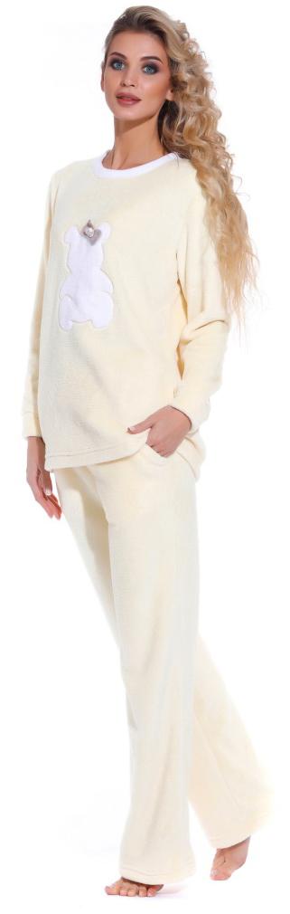 Пижама женская Peche Monnaie, цвет: желтый. 1711. Размер L (48/50)1711Мягкая, пушистая и необычайно уютная пижама от бренда PECHE MONNAIE France создана из нежного велсофта(микрофибра). Материал легкий, теплый и очень приятный к телу, как буд-то плюшевый мишка обнимает вас! Именно такие ощущения вы испытываете одевая эту пижаму. Кофта с О-образным вырезом горла, украшена объемной аппликацией в виде мишки с короной. Комфортные прямые брюки с мягкой резинокой на поясе и внутренними карманами.