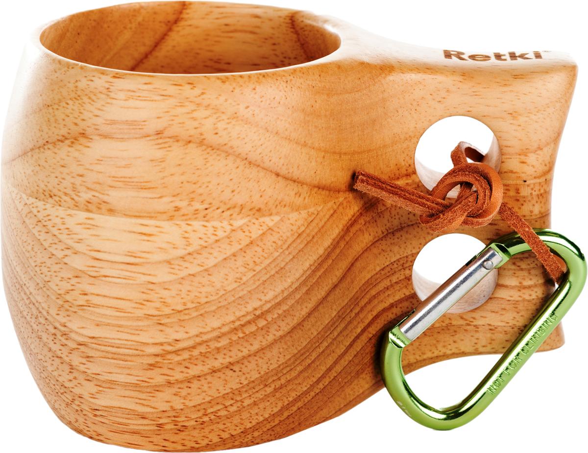 Кружка-кукса Retki, цвет: натуральное дерево, 290 млR4708Кукса — это народная саамская (финская) кружка, вырезанная из дерева.Распространена и весьма популярна не только у финнов, но среди других народов Северной Европы. В поверье у финнов и других народов считается, что кружка-кукса приносит удачу. Кружка изготовлена из натуральной древесины, не обжигает руки и не обмораживает в сильный мороз, лёгкая, прочная и удобная. Внимание! Не рекомендуется мыть кружку моющими средствами и применять абразивные чистящие материалы. Возможно использовать для воды, чая, травяных отваров, кофе и спиртных напитков. В комплект входят: кружка 290 мл, кожаный ремешок, металлический карабин.