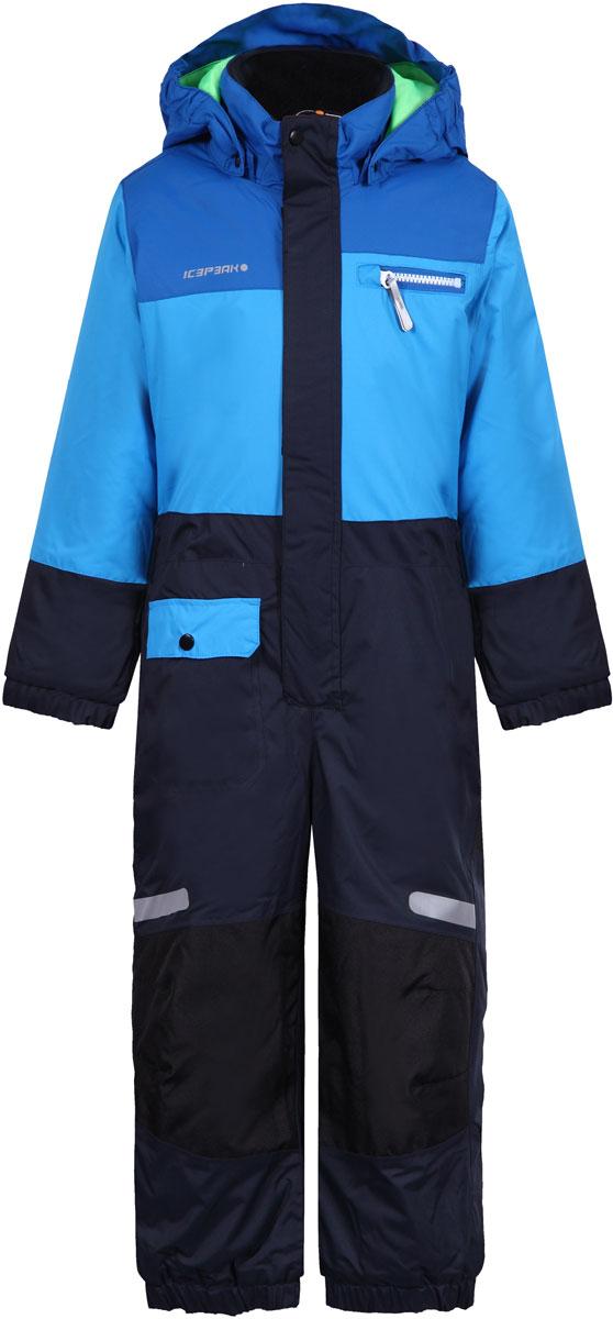 Комбинезон для мальчика Icepeak, цвет: синий, темно-синий. 852153517IV_330. Размер 104852153517IV_330Комбинезон для мальчика Icepeak выполнен из 100% полиэстера. Все швы куртки и брюк проклеены, для обеспечения дополнительной защиты от непогоды. В качестве подкладки также используется полиэстер. Утеплителем служит материал FinnWad, который обладает высокими теплоизоляционными свойствами. Модель с воротником-стойкой и съемным капюшоном застегивается на застежку-молнию с защитой для подбородка и имеет ветрозащитную планку на липучках и кнопках. Капюшон пристегивается к изделию за счет кнопок. Низ брючин оснащен внутренними манжетами на резинке. Спереди расположены один накладной кармашек с клапаном на кнопке, и один нагрудный карман на застежке-молнии. Комбинезон оснащен светоотражающими элементами.