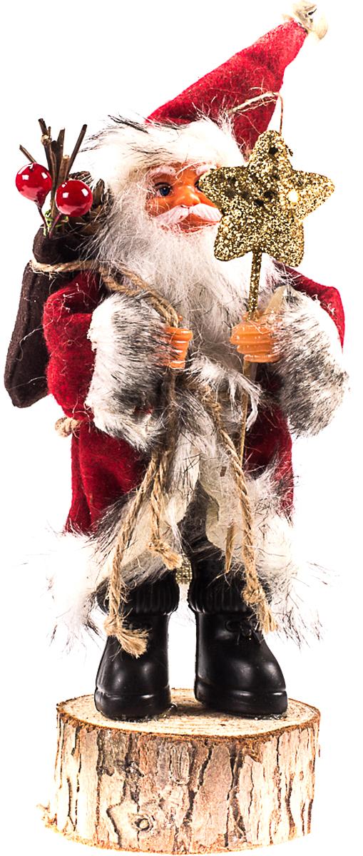 Санта Клаус на пеньке