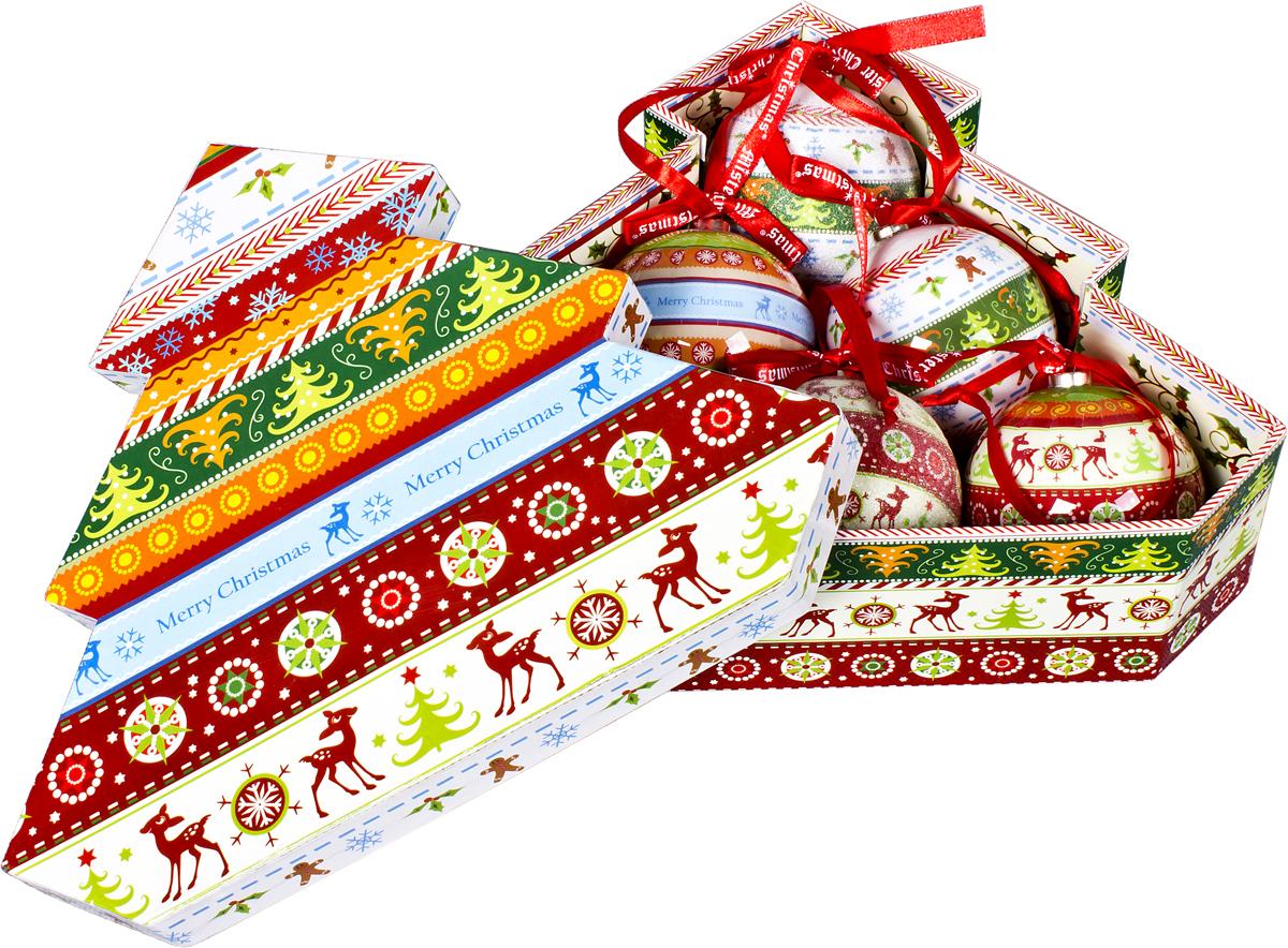 Набор новогодних подвесных украшений Mister Christmas Папье-маше, диаметр 7,5 см, 6 шт. PM-42-6TPM-42-6TНабор из 6 подвесных украшений Mister Christmas Папье-маше прекрасно подойдет для праздничного декора новогодней ели. Изделия, выполненные из бумаги и покрытые несколькими слоями лака, очень прочные и легкие. Такие шары создадут единый стиль в оформлении не только ели, но и интерьера вашего дома. В наборе игрушки имеют глянцевую поверхность и покрытые мелкой пластиковой крошкой. Все изделия оснащены атласной ленточкой с логотипом бренда Mister Christmas для подвешивания. Такие украшения станут превосходным подарком к Новому году, а также дополнят коллекцию оригинальных новогодних елочных игрушек.