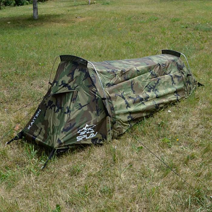 Палатка Сплав Kaiten, одноместная, цвет: зеленый, коричневый, черный5057098Уникальная сверхлегкая однослойная дуговая палатка. Максимально быстрая и простая в установке палатка. Для простой установки потребуется всего четыре колышка. Благодаря гнутым сочленениям дуг, объем палатки вполне комфортен для одного человека, при этом место для установки палатки потребуется немногим больше, чем занимает туристический коврик. Все швы проклеены. Вентиляционные окна на торцевых скатах и большое вентиляционное окно с противомоскитной сеткой на задней стенке создают хорошую проточную вентиляцию. Разъемные стягивающие стропы на упаковочной сумке позволят легко ее закрепить под рюкзаком без дополнительных элементов крепления. При этом палатку можно будет доставать из сумки, не отстегивая саму сумку от рюкзака (необходимое условие: рюкзак должен иметь на дне стропы для внешней навески). Веревки оттяжек имеют вплетенную светоотражающую нить. Сезонность: 3. Количество мест: 1. Количество дуг: 2. Габариты и вес: Размеры внешней палатки, тента (Д?Ш?В): 235?80?75 см. Размеры в упакованном виде (Д?Ш?В): 44?12?12 см. Полный вес: 1,56 кг. Минимальный вес (без чехла и колышков): 1,26 кг. Материалы: Внешний тент: Polyester 75D/190T PU 3000 мм. Дно: Polyester 100D PU 5000 мм. Дуги: Алюминиевый сплав 7001 T6 O8,5 мм. Фурнитура: YKK.
