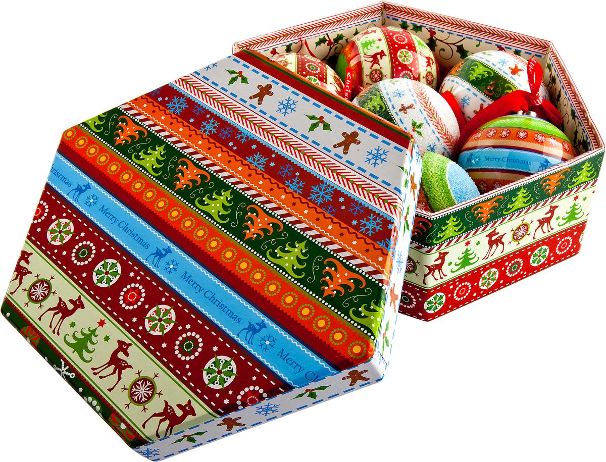 Набор новогодних подвесных украшений Mister Christmas Папье-маше, диаметр 7,5 см, 7 шт. PM-42-7PM-42-7Набор из 7 подвесных украшений Mister Christmas Папье-маше прекрасно подойдет для праздничного декора новогодней ели. Изделия, выполненные из бумаги и покрытые несколькими слоями лака, очень прочные и легкие. Такие шары создадут единый стиль в оформлении не только ели, но и интерьера вашего дома. В наборе игрушки имеют глянцевую поверхность и покрытые мелкой пластиковой крошкой. Все изделия оснащены атласной ленточкой с логотипом бренда Mister Christmas для подвешивания. Такие украшения станут превосходным подарком к Новому году, а также дополнят коллекцию оригинальных новогодних елочных игрушек.