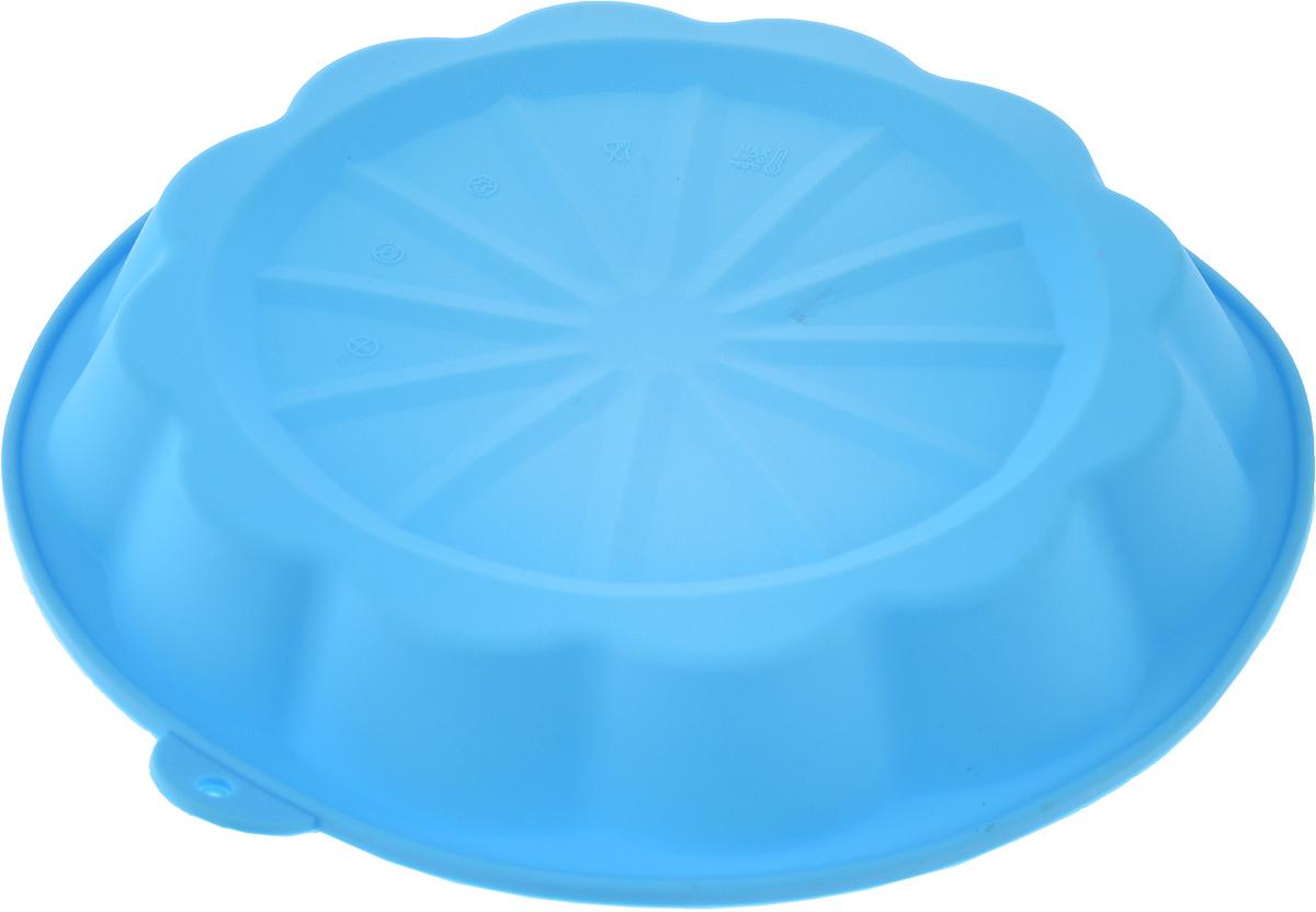 Форма для выпечки Доляна Дольки пирога, цвет: голубой, 25 х 25 х 4 см114016_голубойФорма для выпечки из силикона — современное решение для практичных и радушных хозяек.Оригинальный предмет позволяет готовить в духовке любимые блюда из мяса, рыбы, птицы иовощей, а также вкуснейшую выпечку. Почему это изделие должно быть на кухне? - блюдо сохраняет нужную форму и легко отделяется от стенок после приготовления; - высокая термостойкость (от –40 до 230 °C) позволяет применять форму в духовых шкафах иморозильных камерах; - небольшая масса делает эксплуатацию предмета простой даже для хрупкой женщины; - силикон пригоден для посудомоечных машин; - высокопрочный материал делает форму долговечным инструментом; - при хранении предмет занимает мало места. Советы по использованию формы Перед первым применением промойте предмет тёплой водой. В процессе приготовления используйте кухонный инструмент из дерева, пластика или силикона.Перед извлечением блюда из силиконовой формы дайте ему немного остыть, осторожноотогните края предмета. Готовьте с удовольствием!