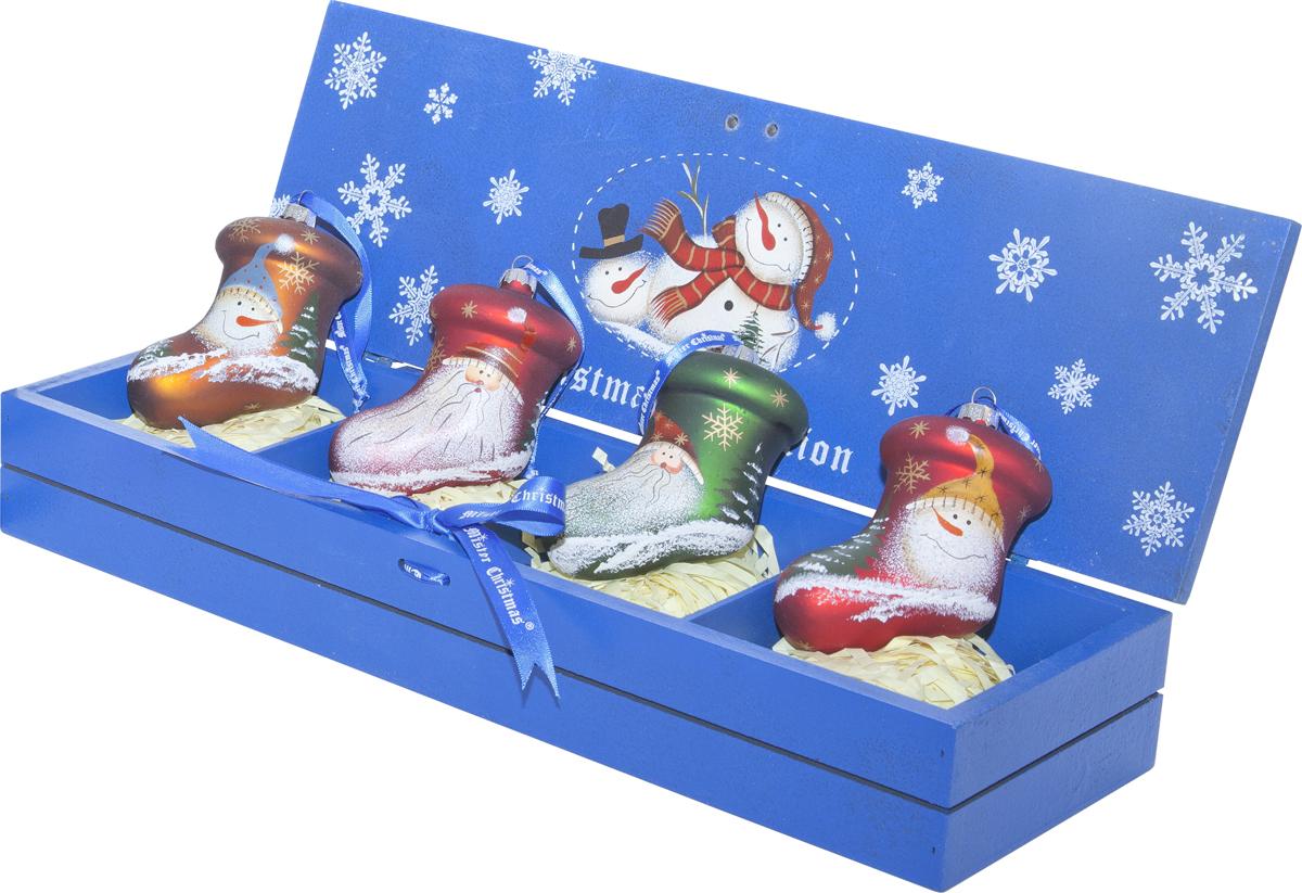 Набор новогодних украшений Mister Christmas, 4 шт. LH-B5-SET/4LH-B5-SET/4Набор подвесных украшений Mister Christmas поможет стильно украсить новогоднюю елку. Изделия, выполненные из полистоуна в виде любимых нами Деда Мороза и снеговика, не оставят равнодушным никого, кто придет в ваш дом. Такие украшения не боятся падения, света или влаги и несмотря на размер достаточно легкие. Игрушки оснащены петелькой для подвешивания. Набор упакован в коробку из натуральной древесины, выкрашенную в насыщенный голубой цвет и украшенную рисунком. Такие украшения станут превосходным подарком к Новому году, а так же дополнят коллекцию оригинальных новогодних елочных игрушек.