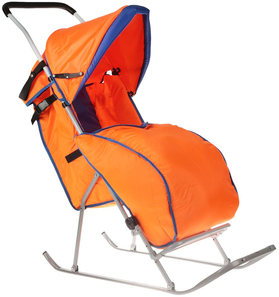 Фея Санки-коляска Метелица Люкс с тентом цвет синий оранжевый0005573-01_ синий, оранжевыйСанки-коляска Фея Метелица Люкс выполнена из тонких металлических труб и из зеленой ткани. Ткань, использующаяся на санках, отлично защищает от ветра. Санки оснащены тентом, который складывается, имеется ремень безопасности и утепленный чехол для ног. Полозья изготовлены из плоской металлической трубы. Регулируемые подставка для ног и сидение, жесткая спинка.