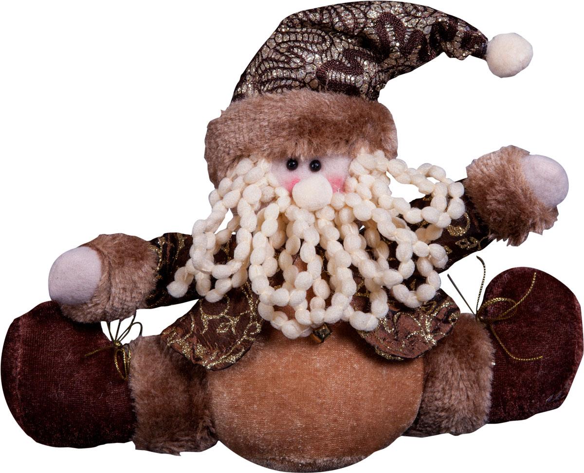 Игрушка новогодняя Mister Christmas Дед Мороз, высота 15 смDCM-022Игрушка новогодняя Mister Christmas Дед Мороз - прекрасное украшение для вашего дома. Изготовлена из комбинированных текстильных материалов, она ярко смотрится и приятна на ощупь. Такая игрушка одинаково хорошо смотрится на елке, под елкой возле подарков, на полочке, столе или другом видном месте вашего дома или офиса. Это прекрасный подарок коллегам, друзьям, близким, а также детям. Сувенир изготовлен из экологически чистых материалов и выпускается ограниченной серией. А нарядная подарочная упаковка позволит вам не беспокоиться о дополнительном оформлении подарка.