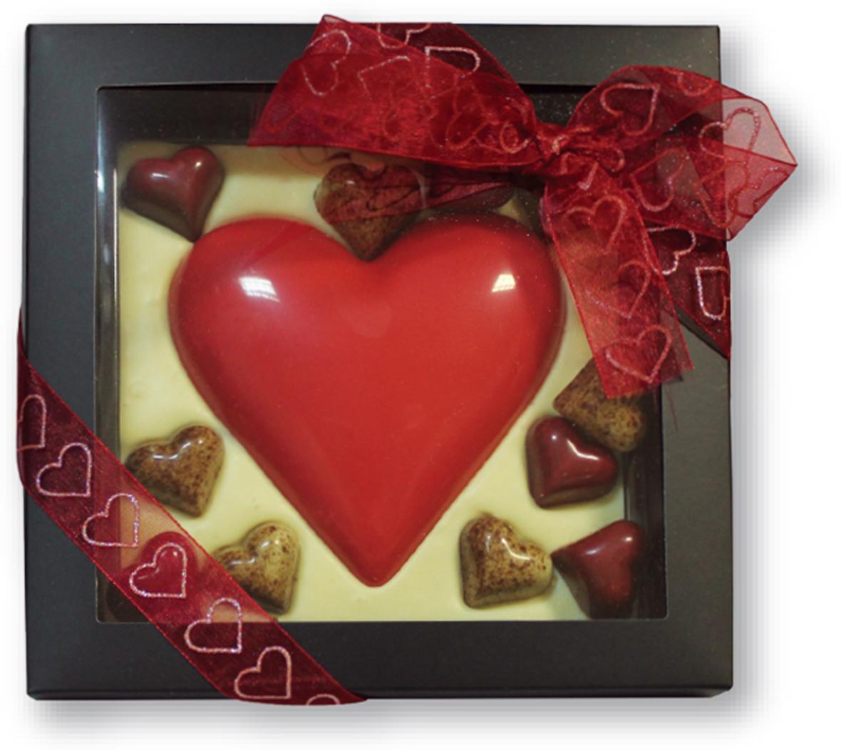 Chco Chocbar XL De Luxe Сердце с шоколадными конфетами, 380 г chco марципановые шарики в ванильном сахар 150 г