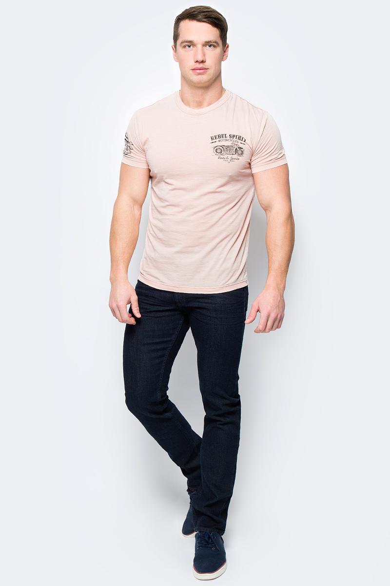 Футболка мужская Rebel Spirit, цвет: розовый. RSSK151696. Размер XXL (54)RSSK151696Стильная мужская футболка от Rebel Spirit, выполненная из натурального хлопка, отлично дополнит ваш образ. Модель с круглым вырезом горловины и короткими рукавами оформлена оригинальным принтом с названием бренда.