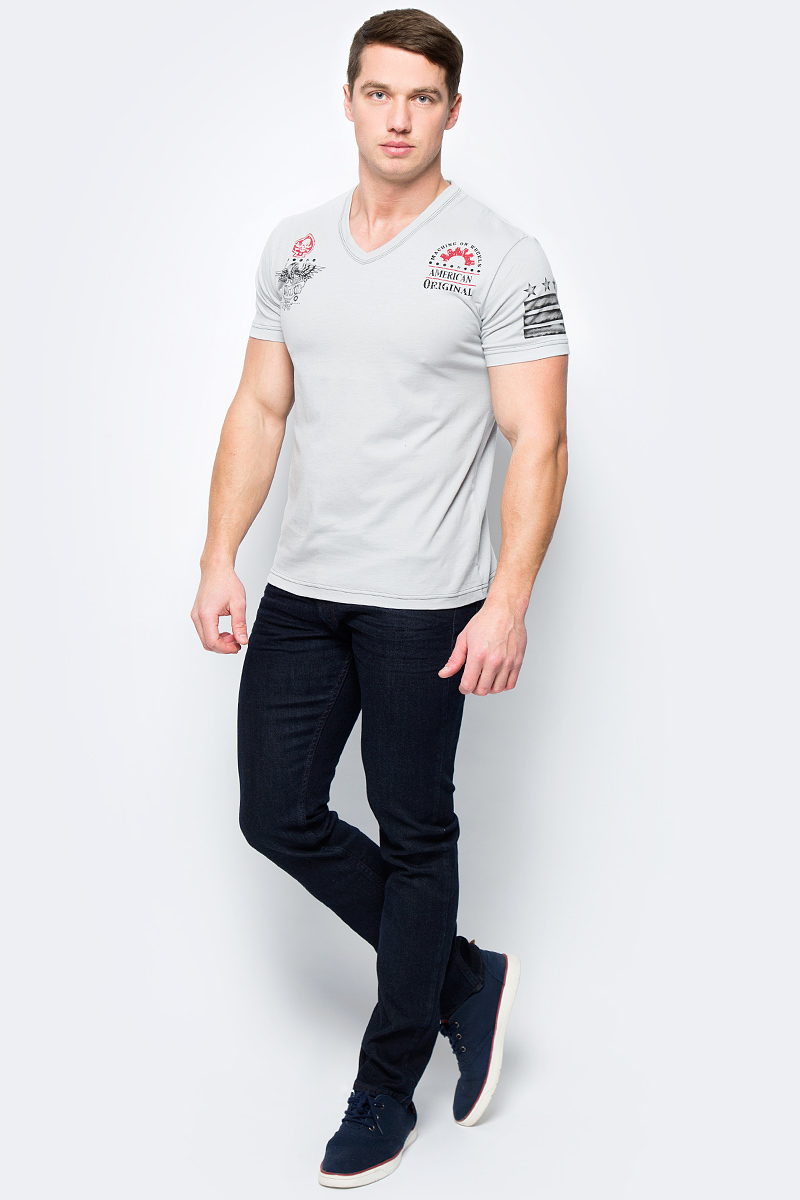 Футболка мужская Rebel Spirit, цвет: светло-серый. RSSK151698. Размер XXL (54)RSSK151698Стильная мужская футболка от Rebel Spirit, выполненная из натурального хлопка, отлично дополнит ваш образ. Модель с V-образным вырезом горловины и короткими рукавами.