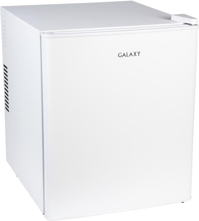 Galaxy GL3101, White холодильник4650067303437Холодильник Galaxy GL3101 - это компактная однокамерная модель, которая подойдет для любой кухни, особенно небольших размеров. Стоит обратитьвнимание, что класс энергетической эффективности данной модели A++, а также на бескомпрессорную технологию и бесшумную работу. Вы получите настоящее удовольствие от его использования! Благодаря системе No Frost вам не потребуется его часто размораживать. Мощность 70 ватт, а полезный объем 46 литров. Две полки расположены на дверцы, а одна в холодильной камере. Ножки регулируются, что позволит надежно установить данную модель.