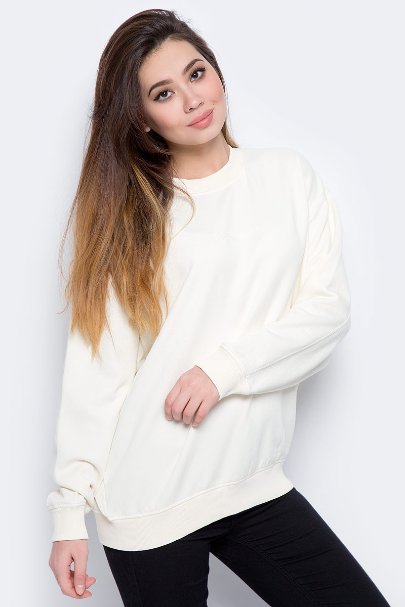 Свитшот женский Calvin Klein Jeans, цвет: бежевый. J20J206415_0030. Размер S (42/44) свитшот calvin klein jeans calvin klein jeans ca939ewzjs88