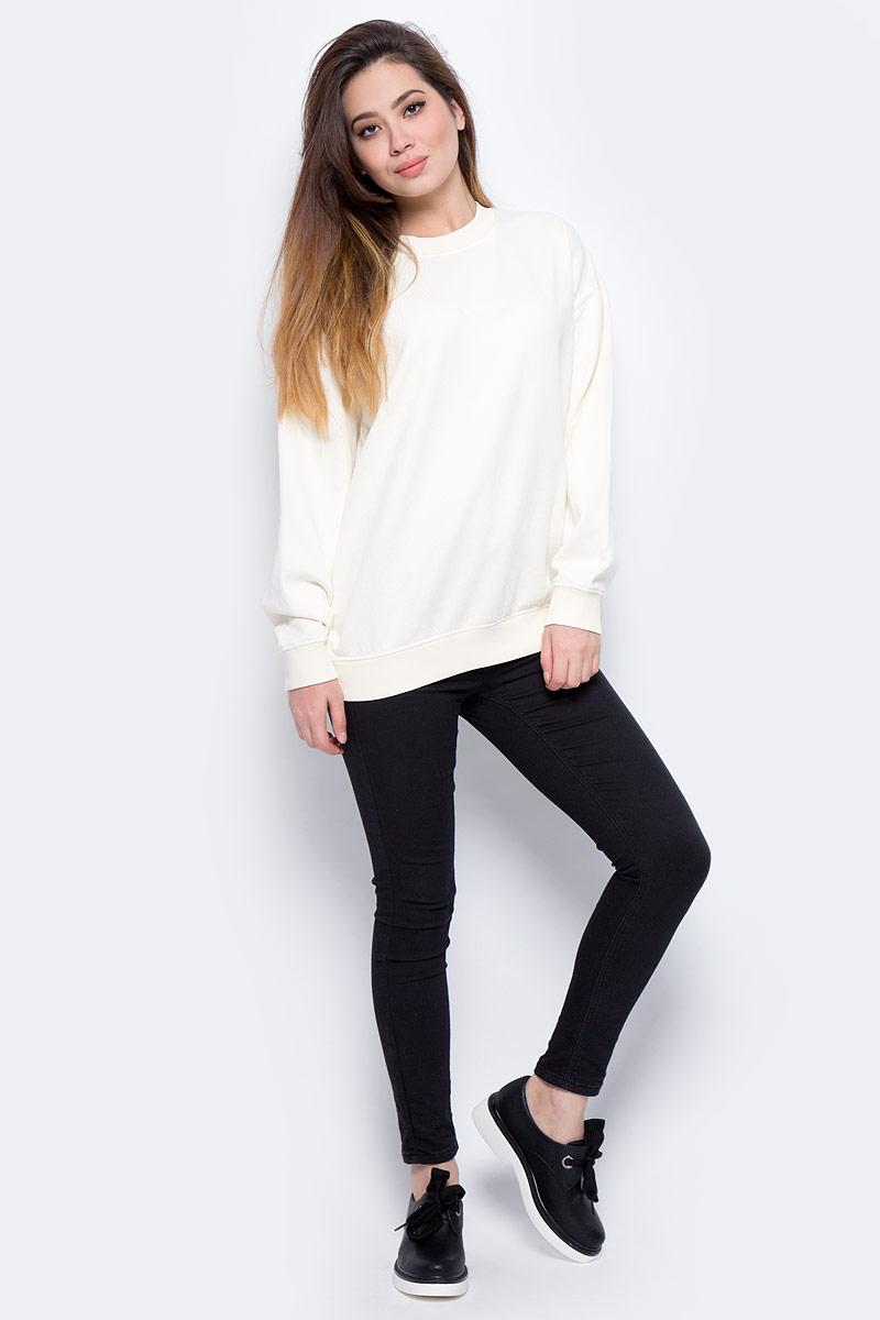 Свитшот женский Calvin Klein Jeans, цвет: бежевый. J20J206415_0030. Размер S (42/44)J20J206415_0030Свитшот круглым вырезом и длинными рукавами изготовлен из качественного смесового материала. Низ изделия и рукава дополнены эластичной резинкой.