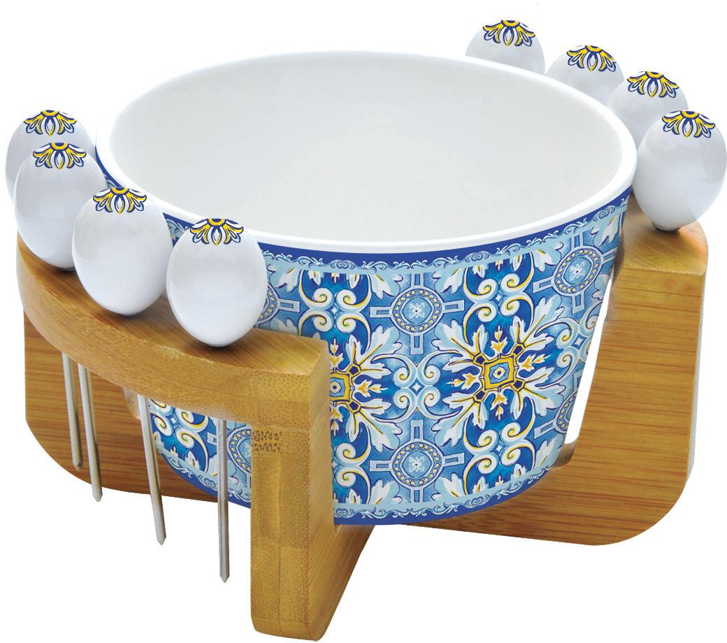 Набор для закуски Easy Life Майолика, на подставке, цвет: голубой, 10 предметовEL-R0850/MAIBНабор для закуски Easy Life состоит из салатника для оливок, 8 шпажек и деревянной подставки. Салатник и шпажки выполнены из фарфора.Оригинальный дизайн, несомненно, придется вам по вкусу. Набор для закуски Easy Life украсит ваш кухонный стол, а также станетзамечательным подарком к любому празднику. Диаметр салатника: 15 см.