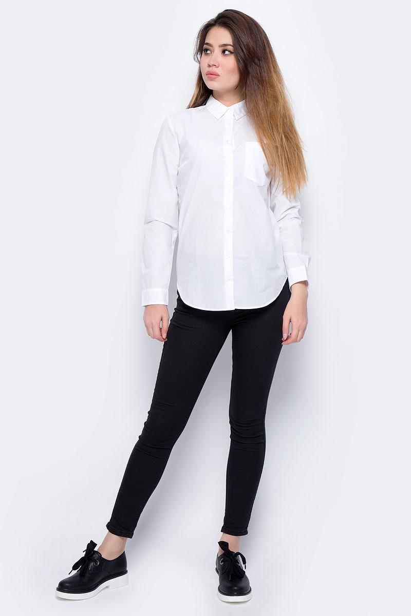 Блузка женская Calvin Klein Jeans, цвет: белый. J20J206582_1120. Размер XL (48/50)J20J206582_1120Блузка женская Calvin Klein с длинными рукавами и отложным воротником выполнена из качественного хлопка. Изделие застегивается на пуговицы, имеется нагрудный накладной карман. Манжеты рукавов дополнены застежками-пуговицами, низ изделия закруглен.