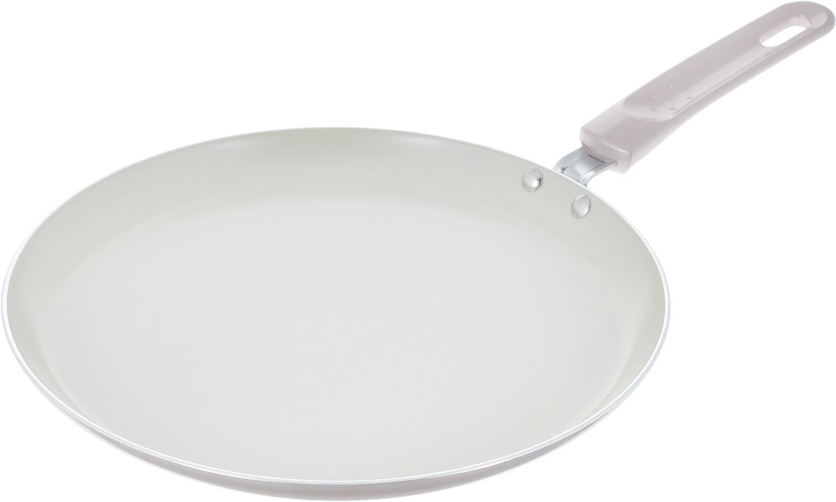 Сковорода для блинов Vitesse, цвет: пепельно-розовый. Диаметр 26 смVS-7410_розовыйСковорода для блинов Vitesse Cherry изготовлена из высококачественного алюминия. Внутреннее керамическое покрытие Eco-Cera, позволяющее готовить при высоких температурах, не оставляетпослевкусия, делает возможным приготовление блюд без масла, сохраняет витамины и питательные вещества. Высокотехнологичное внешнее антипригарное покрытие устойчиво к царапинам имеханическим повреждениям. Покрытие безопасно для человека, не содержит PFOA. Утолщенное алюминиевое дно обеспечивает равномерноераспределение тепла по поверхности. Сковорода для блинов Vitesse подходит для использования на всех типах кухонных плит кроме индукционных.Можно мыть в посудомоечной машине.Диаметр сковороды: 26 см. Высота стенки сковороды: 2 см.Толщина стенки сковороды: 0,25 см.Толщина дна сковороды: 0,5 см. Длина ручки: 17 см.