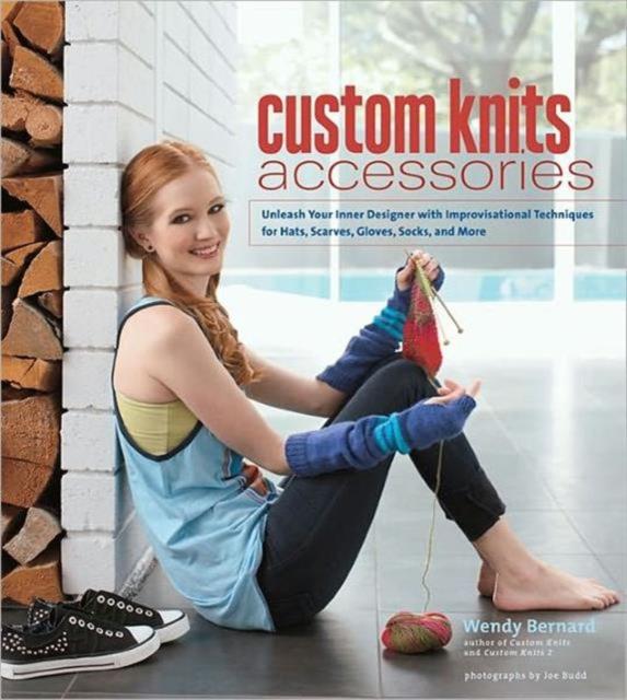 цена на Custom Knits Accessories