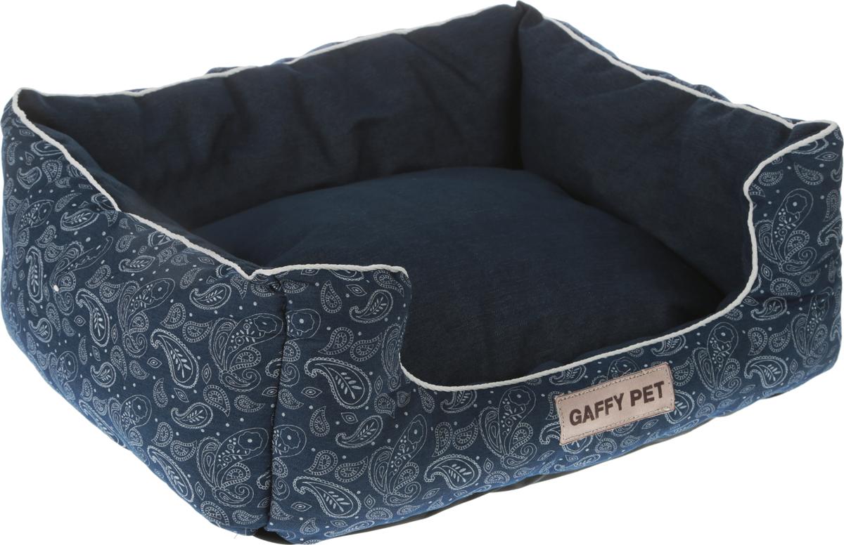 Лежак Gaffy Pet Square Paisley, цвет: синий, 55 х 45 х 23 см11120MЛежак для животных Gaffy Pet обязательно понравится вашему питомцу. Верх лежака выполнен из плотного текстиля. В качестве наполнителя используется мягкий холлофайбер. Изделие имеет высокие бортики, которые отлично держат форму, и съемную подушку. Использование профессиональных тканей дает владельцам питомцев большое преимущество в чистке и уходе без ущерба внешнему виду. Такой лежак прекрасно впишется в любой современный интерьер.