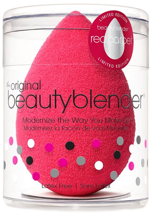 Beautyblender Спонж red.carpet1025Революционная каплеобразная форма beautyblender red.carpet делает его использование оченьпростым с возможностью добраться до труднодоступных участков (зона под глазами, крыльяноса) с удивительной легкостью. beautyblenderred.carpet- лимитированная версия классическогоспонжа в красном цвете. Cпонж beautyblender имеет структуру открытой ячейки, котораянаполняется небольшим количеством воды, когда спонж смачивают. Благодаря этомукосметическое средство остается на поверхности спонжа, а не поглощается им. Технологияиспользования - увлажнить. сжать. нанести. Все спонжи beautyblender безлатексные и не имеютзапаха. beautyblender - американский бренд, созданный голливудским визажистом Реа ЭннСильва, у которой за плечами более 20 лет работы в бьюти-индустрии. Поначалу beautyblenderбыл тайным ингредиентом съемочных площадок, но после неоднократных побед в престижнойбьюти-премии Allure Best of Beauty получил известность и признание во всем мире. Способ применения:Сожмите спонж, чтобы удалить воду. Для удобства можновоспользоваться полотенцем. Легкими вбивающими движениями наносите тональный крем илидругое косметическое средство. После использования спонжа очистите его с помощьюспециальных средств blendercleanser. Оставьте спонж высохнуть естественным путём в сухомпроветриваемом месте.Состав: безлатексная пена.