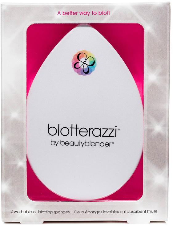 Beautyblender Матирующие лепестки Blotterazzi, 2 шт1032Матирующие лепестки Blotterazzi от Beautyblender помогают сохранить макияж в течении дня иизбавиться от жирного блеска на лице. Каплеобразная форма Blotterazzi напоминает оборигинальном спонже Beautyblender. Она позволяет повторить все контуры лица и обработатькаждую зону, включая крылья носа, что крайне неудобно сделать обычной матирующейсалфеткой. В отличие от привычных матирующих салфеток, лепестки можно очищать ииспользовать снова и снова. Рекомендуется менять лепесточек через 60 дней после первогоприменения.В набор вместе с матирующими лепестками входит стильный пластиковыйфутляр с зеркальцем, в котором предусмотрены вентиляционные отверстия для просушивания. Внем спонжи никогда не испачкаются и не затеряются в сумке. Помимо футляра в наборвходит сашет с очищающим гелем.При использовании промокните сухим лепестком лицо,используя более широкую часть для лба и щек, а кончик - для труднодоступных мест, таких каккрылья носа, зона вокруг глаз. После использования очистите лепесток специальнымисредствами blendercleanser и оставьте высохнуть естественным путем в сухом проветриваемомместе. Поместите в футляр.Товар сертифицирован.