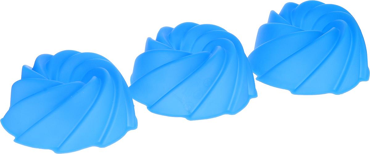 Набор форм для выпечки Доляна Заварное, цвет: синий, 7,5 х 4 х 3,5 см, 6 шт1057120_синийФорма для выпечки из силикона - современное решение для практичных и радушных хозяек. Оригинальный предмет позволяет готовить в духовке любимые блюда из мяса, рыбы, птицы и овощей, а также вкуснейшую выпечку. Почему это изделие должно быть на кухне? блюдо сохраняет нужную форму и легко отделяется от стенок после приготовления; высокая термостойкость (от -40 до 230 ?) позволяет применять форму в духовых шкафах и морозильных камерах; небольшая масса делает эксплуатацию предмета простой даже для хрупкой женщины; силикон пригоден для посудомоечных машин; высокопрочный материал делает форму долговечным инструментом; при хранении предмет занимает мало места. Советы по использованию формы Перед первым применением промойте предмет теплой водой. В процессе приготовления используйте кухонный инструмент из дерева, пластика или силикона. Перед извлечением блюда из силиконовой формы дайте ему немного остыть, осторожно отогните края предмета. Готовьте с удовольствием!