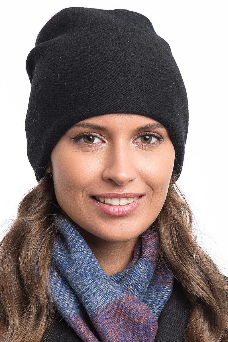 Шапка женская Stilla, цвет: черный. SH-1776/01. Размер 52/56SH-1776/01Теплая зимняя шапка от Stilla выполнена из шерсти с акрилом. Мелкая элегантная вязка,флисовая подкладка. Сзади защипы с декоративными бусинами.