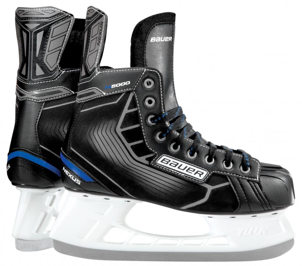 Коньки хоккейные мужские Bauer Nexus N5000, цвет: черный, серый. 1048638. Размер 44,51048638Коньки хоккейные Bauer Nexus N5000 очень легкие и удобные, предназначены для игры в хоккей на открытых и закрытых площадках. Верх модели выполнен из искусственной кожи и текстиля. Классическая посадка Nexus обеспечивает отличное прилегание.Пенные вставки в области лодыжек обеспечивают комфорт и защиту. Комфортный формованный язычок выполнен из войлока с плюсневой защитой. Удобная стелька из материала EVA. Данная модель укомплектована стаканами Tuuk LightSpeed Pro и оснащена лезвиями из нержавеющей стали Tuuk Super. Шнуровка надежно зафиксируем модель на ноге.