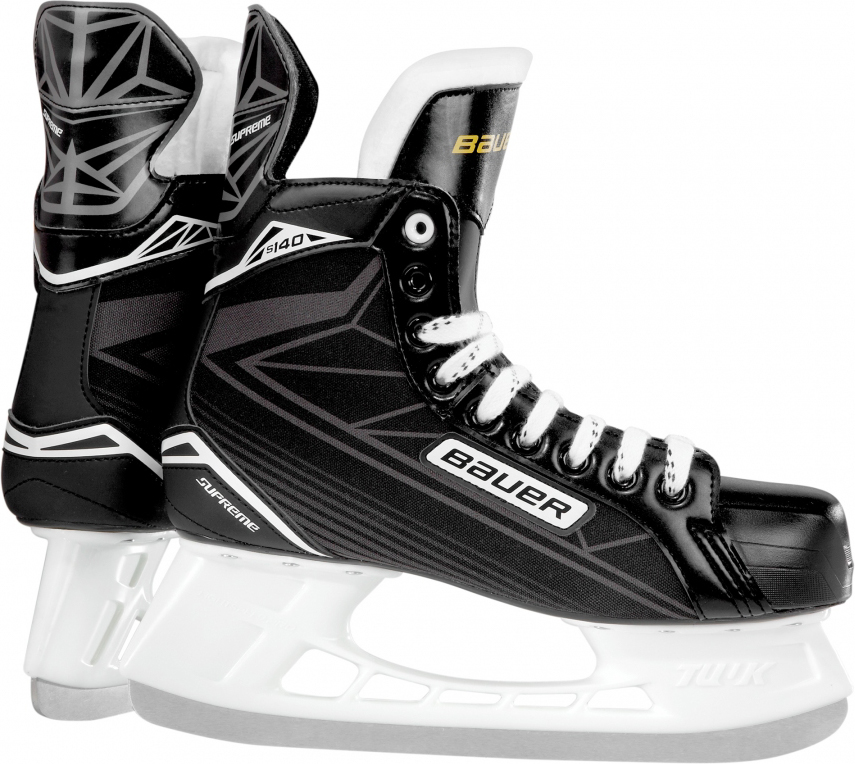 Коньки хоккейные Bauer Supreme S140, цвет: черный. 1048626. Размер 32,51048626Детские хоккейные коньки BAUER SUPREME 140 YTH выпущены для игроков младшего возраста, которые только начинают учиться основам игры. Внешнее покрытие ботинок выполнено из прочного нейлона, устойчивого к истиранию, царапинам и порезам. Набивка в области лодыжки и интегрированная пяточная чаша анатомической формы позволяют добиться идеальной посадки и надежно фиксируют голеностопный сустав и пятку, что снижает риск травм при динамичном движении. Гибкий язычок с войлочной набивкой, за счет своей анатомической формы, удобно охватывает переднюю часть голеностопного сустава, не перемещается из стороны в сторону при движении, создает комфортные ощущения и уменьшает давление шнуровки на подъем ноги. Формованная, внутренняя стелька выполнена из вспененного материала EVA и обеспечивает удобное и устойчивое положение стопы внутри ботинка. Внутренняя подкладка из мягкой микрофибры обладает отличными износостойкими качествами, эффективно защищает ноги от влаги и холода, обеспечивая оптимальный микроклимат внутри ботинок. Внешний, усиленный задник надежно защищает ахиллесово сухожилие и пяточную зону от возможных травм. Подошва выполнена из прочной, легкой, термопластичной резины. Коньки укомплектованы прочными стаканами Tuuk Lightspeed Pro с несменными лезвиями, выполненными из высококачественной, нержавеющей стали Tuuk Super.