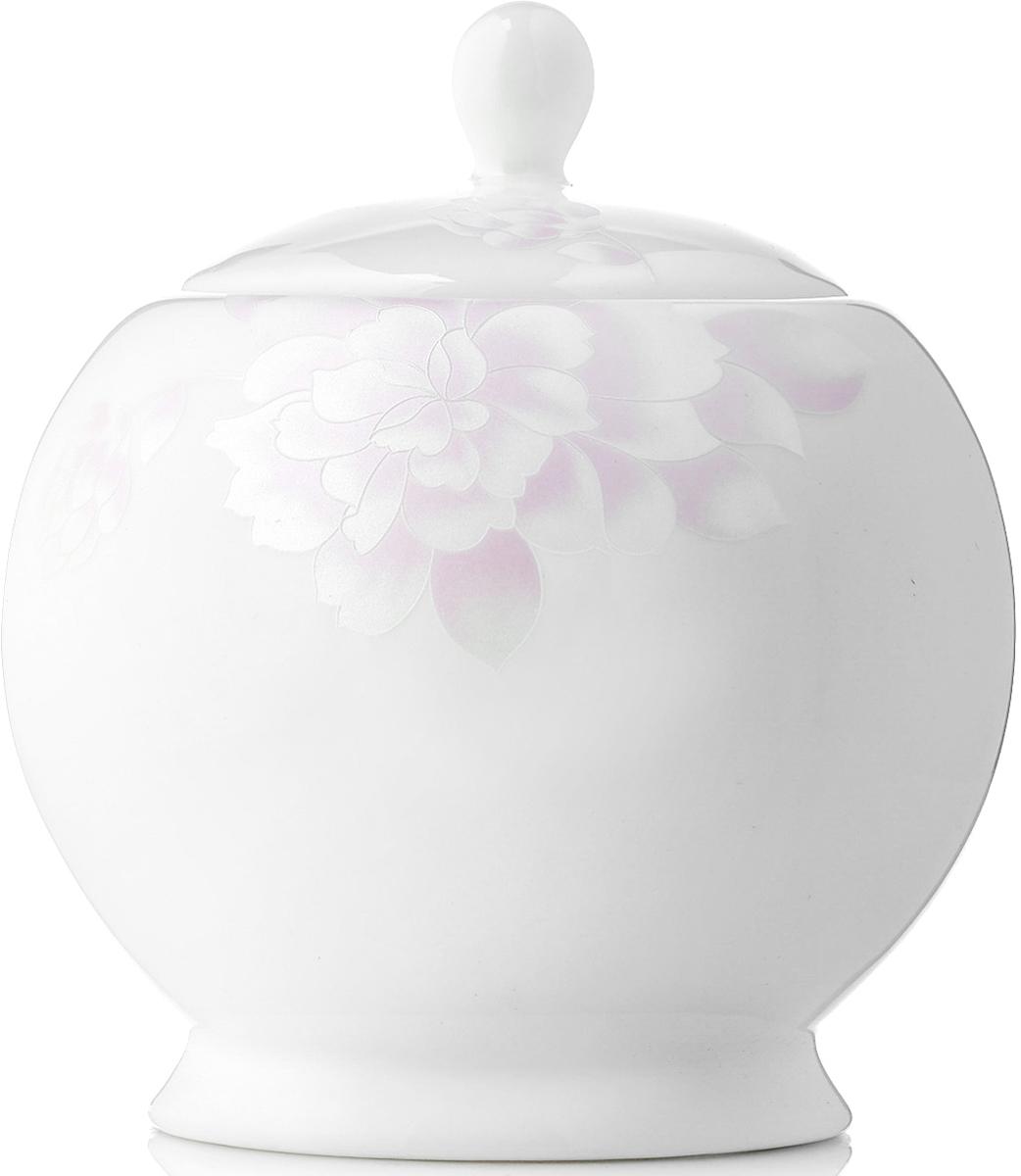 Сахарница Esprado Peonies, 500 млPEOL50PE307Сахарница Peonies изготовлена из костяного фарфора. Перламутровая деколь придает коллекции шарм и очарование, делая её воплощением женственности, утонченного вкуса и благородства. Благодаря увеличенному объему (500 мл) сахарница стала более практичной, особенно среди любителей сахара-рафинада. Сахарница новой классической формы станет прекрасным дополнением к сервировке, а также составит единую чайную композицию с заварочным чайником круглой формы.Изделия коллекции из костяного фарфора Peonies обладают высокой прозрачностью, повышенной прочностью и устойчивостью к истиранию: царапины от ножа и сеточки трещин не появятся на ней даже через несколько лет. Сахарница коллекции Peonies прекрасно подойдет как для торжественных случаев, так и для повседневного использования. Изделия из коллекции Peonies можно использовать в микроволновой печи, мыть в посудомоечной машине.