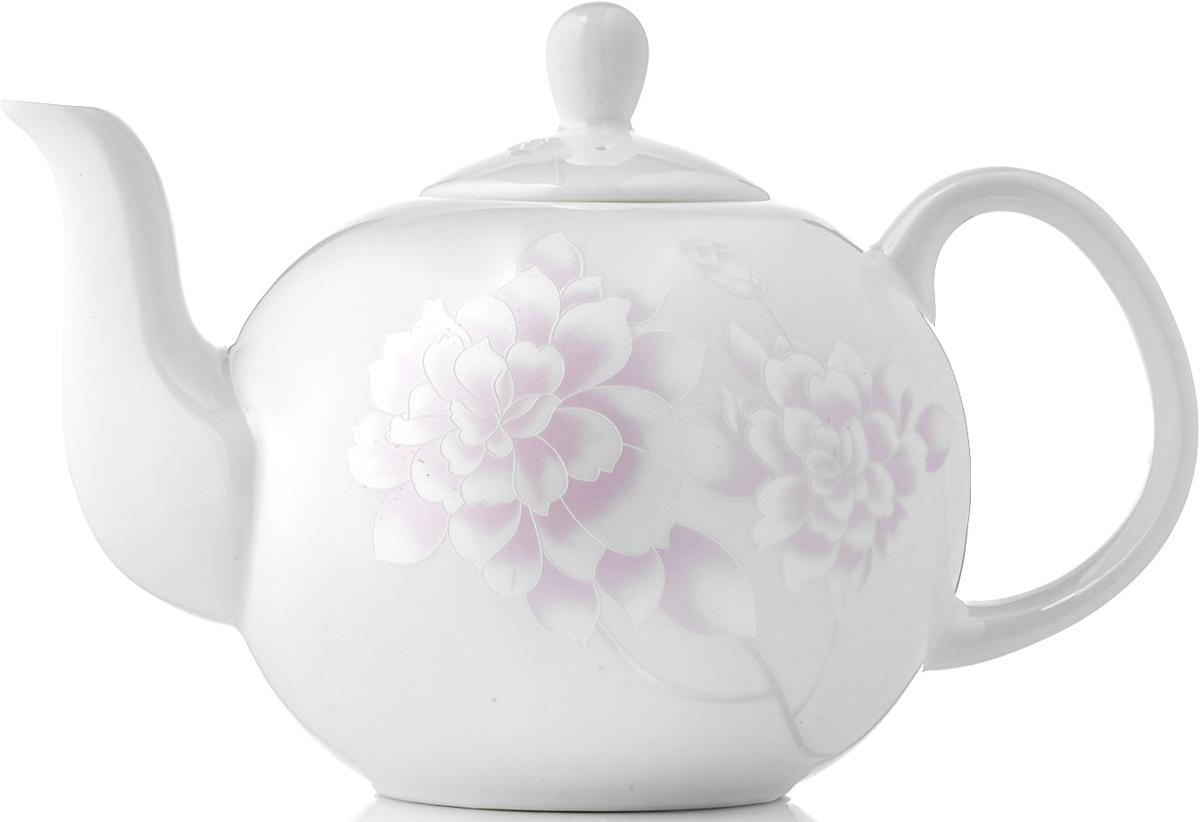 Чайник заварочный Esprado Peonies, 1,22 лPEOL13PE306Заварочный чайник Peonies изготовлен из костяного фарфора. Перламутровая деколь придает коллекции шарм и очарование, делая её воплощением женственности, утонченного вкуса и благородства. Изделия коллекции из костяного фарфора Peonies обладают высокой прозрачностью, повышенной прочностью и устойчивостью к истиранию: царапины от ножа и сеточки трещин не появятся на ней даже через несколько лет. Чайник новой круглой формы очень практичен: его легко очищать, чаинки не забиваются в отверстия.Кроме того, благодаря округлому силуэту чайник стал более изящным и подойдет как для чаепития в кругу семьи, так и для торжественного случая.Изделия из коллекции Peonies можно использовать в микроволновой печи, мыть в посудомоечной машине.