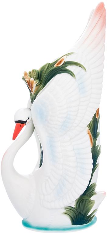 Ваза Elan Gallery Лебедь, цвет: белый, высота 39,5 см, 2,3 л400006Ваза Elan Gallery Лебедь выполнена из фарфора. Декоративная ваза украсит ваш интерьер и будет прекрасным подарком для ваших близких. Оригинальный дизайн наполнит дом праздничным настроением.