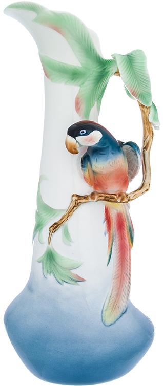 Ваза Elan Gallery Попугай, цвет: голубой, высота 37,5 см, 1,525 л400018Ваза Elan Gallery Попугай выполнена из фарфора. Изящная ваза с лепниной в подарочной упаковке станет шикарным подарком и украшением вашего интерьера. Внутри коробки шелковая подложка.