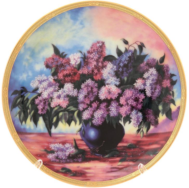 Тарелка декоративная Elan Gallery Букет сирени, цвет: фиолетовый, диаметр 18 см502770Декоративная тарелка станет не только замечательным украшением в традиционном стиле, но и памятным подарком на любой праздник!