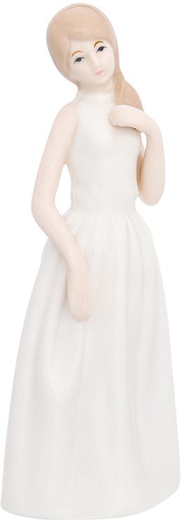 Фигурка декоративная Elan Gallery Девушка в белоснежном платье, цвет: белый, 7,5 х 6 х 18,5 см870229Изящная фарфоровая статуэтка в классическом стиле украсит ваш дом, а также станет идеальным подарком для дам.