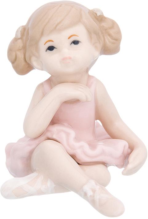 Фигурка декоративная Elan Gallery Девочка балерина в розовом платье, цвет: розовый, 6 х 7,8 х 7 см870240Изящная фарфоровая статуэтка в классическом стиле Elan Gallery Девочка балерина в розовом платье украсит ваш дом, а также станет идеальным подарком для дам.