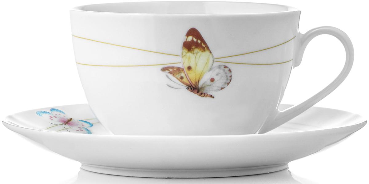 """Чайный набор Mariposa изготовлен из твердого фарфора. Название коллекции Mariposa (в переводе с испанского """"бабочка"""") также красиво, как и раскраска крыльев этих прекрасных созданий. Летящие бабочки на фоне белоснежного фарфора создают ощущение легкости и простора.  Чайный набор состоит из 12 предметов: 6 чашек по 250 мл, 6 блюдец диаметром 150 мм. Изделия из твердого фарфора можно использовать в микроволновой печи, мыть в посудомоечной машине. Солнечная коллекция Mariposa идеально подойдет к завтраку в кругу семьи на природе. Посуда украсит ваш стол и создаст атмосферу для непринуждённого общения за чашечкой кофе в коттедже или загородном доме."""