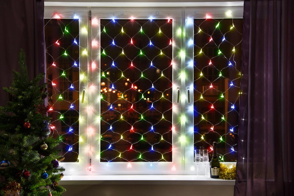 Гирлянда Neon-Night Сеть, 160 LED, цвет: черный, мульти, 1 х 1,5 м215-119Гирлянда-сеть представляет из себя конструкцию в виде прямоугольника размером 1*1,5 метра, разбитого на равные ромбы, в углах которых находятся диоды красного, зеленого и синего цвета (RGB), причем диоды чередуются через один. Гирлянда имеет степень влагозащиты IP44 и ПВХ провод черного цвета, что позволит вам быстро и выгодно решить вопрос с декоративным украшением любых объектов как внутри помещения, так и снаружи. В комплекте идет контроллер с 8 режимами свечения, что позволяет гирлянде работать в динамике. Данная гирлянда используется для украшения фасадов и потолков зданий практически любой площади, отлично подходит для украшения небольших кустов, растяжки между направляющими в беседке или веранде, ей можно легко и быстро обмотать колонны или столбы, служит красивым декором окон зданий. Гирлянда-сеть имеет самое лучшее отношение цены к площади декорирования относительно других гирлянд, что делает ее уникальной в своем роде.