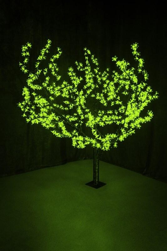 Светодиодное дерево Neon-Night Сакура, цвет: зеленый, диаметр кроны 180 см, высота 150 см531-104Световое дерево Сакура представляет собой имитацию цветущей японской сакуры. Оно используется для декоративного освещения интерьеров и ландшафтов. Такое дерево может стать прекрасным украшением для вашего дома, офиса, торгового зала, кафе, ресторана или загородного участка. Оно создаст уют, придаст оригинальный стиль и необходимый вам колорит независимо от времени года. Конструкция имеет лекгосплавной каркас в оболочке из темного пластика. На ветках дерева расположены яркие светодиодные гирлянды с силиконовыми насадками (цветками). Светодиодное дерево выглядит очень натурально.Питание осуществляется через сетевой трансформатор, поэтому изделие является низковольтным и может использоваться в уличных условиях. Диаметр кроны: 1,8 м. Высота дерева: 1,5 м. 864 лепестка.