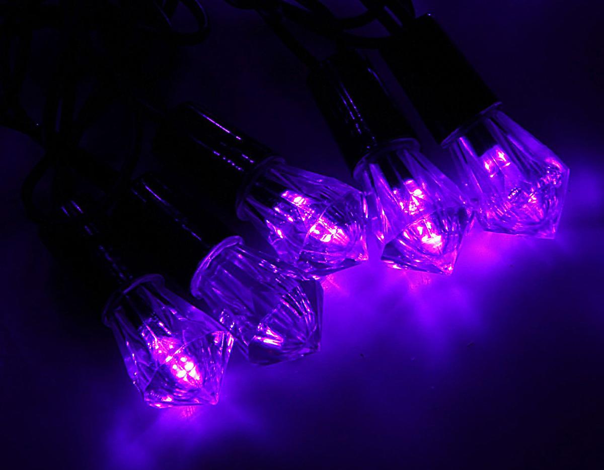 Гирлянда светодиодная Luazon Метраж. Хрусталь, уличная с насадкой, фиксинг, 40 ламп, 220 V, 5 м, цвет: фиолетовый. 10800681080068Светодиодные гирлянды, ленты и т.д. — это отличный вариант для новогоднего оформления интерьера или фасада. С их помощью помещение любого размера можно превратить в праздничный зал, а внешние элементы зданий, украшенные ими, мгновенно станут напоминать очертания сказочного дворца. Такие украшения создают ауру предвкушения чуда. Деревья, фасады, витрины, окна и арки будто специально созданы, чтобы вы украсили их светящимися нитями.
